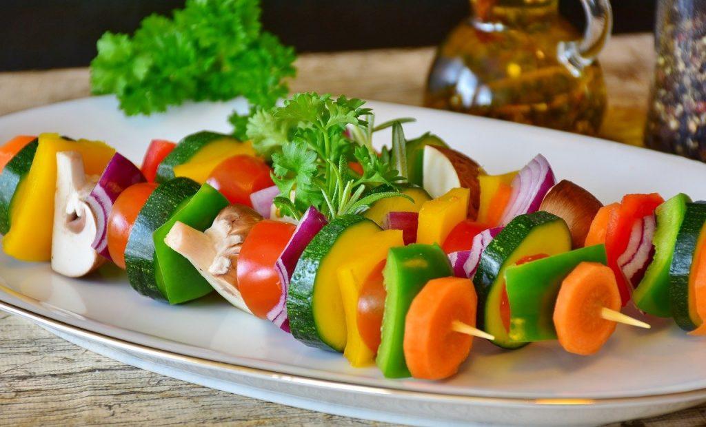 vegetable skewer, paprika, tomato